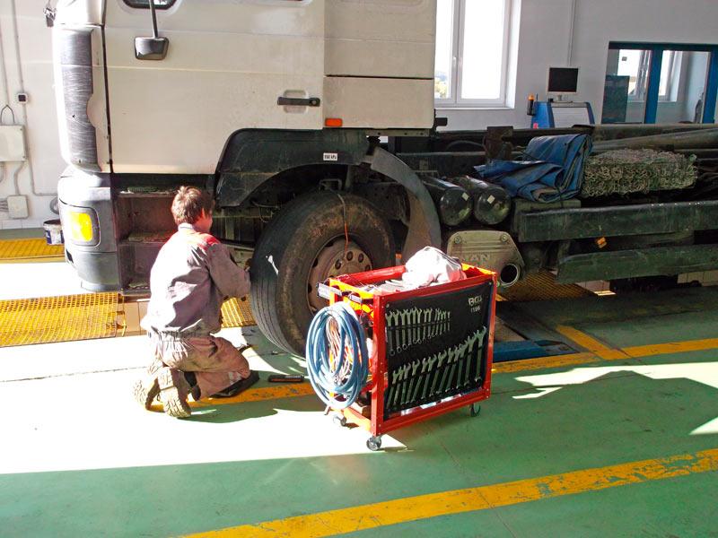 Automechanik/-čka nákladních vozidel